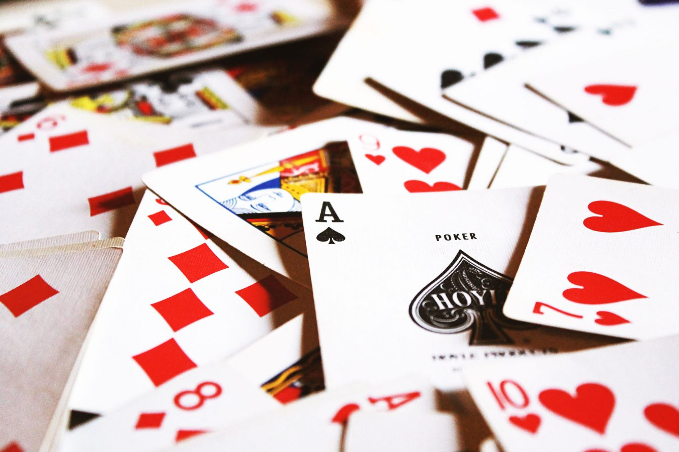 The Best Online Poker Players Make Decisions At Random