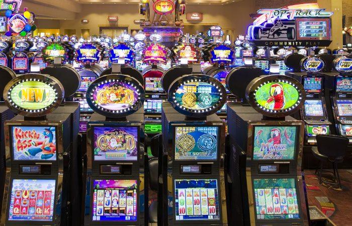 Casino Slot Machine, Blackjack, Roulette